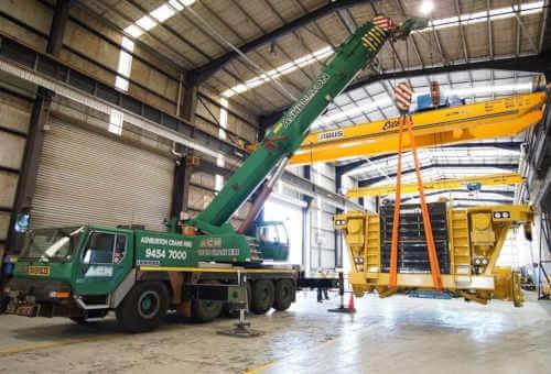 Heavy lift crane hire Perth.